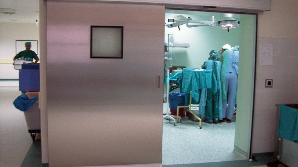 efor-door-portfolio-ameliyathane-hermetik-kapi-sistemleri-4.jpg